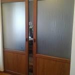 Usa glisanta in perete_din PVC stejar auriu_lucrare Cesarom Botosani