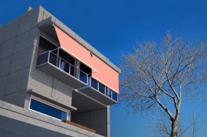 copertine pentru balcon prindere balustrada