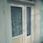 Lucrari termopane_Renovare casa traditionala_usa din PVC cu geam termopan