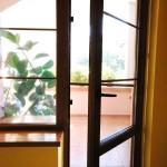Usi pvc exterioare_cu geam termopan_nuanta stejar auriu_Cesarom Botosani