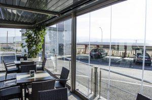 Inchideri terase cu sticla pliabila si pereti de vant marca Gaviota
